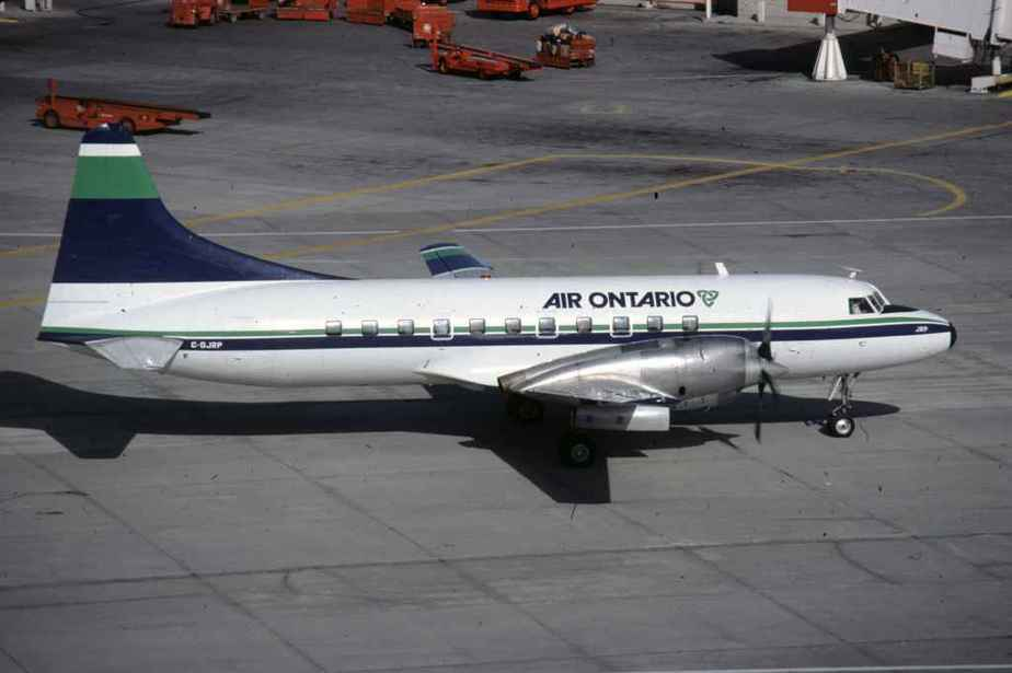 SP4630 Air Ontario CV580 C-GJRP YYZ June1984