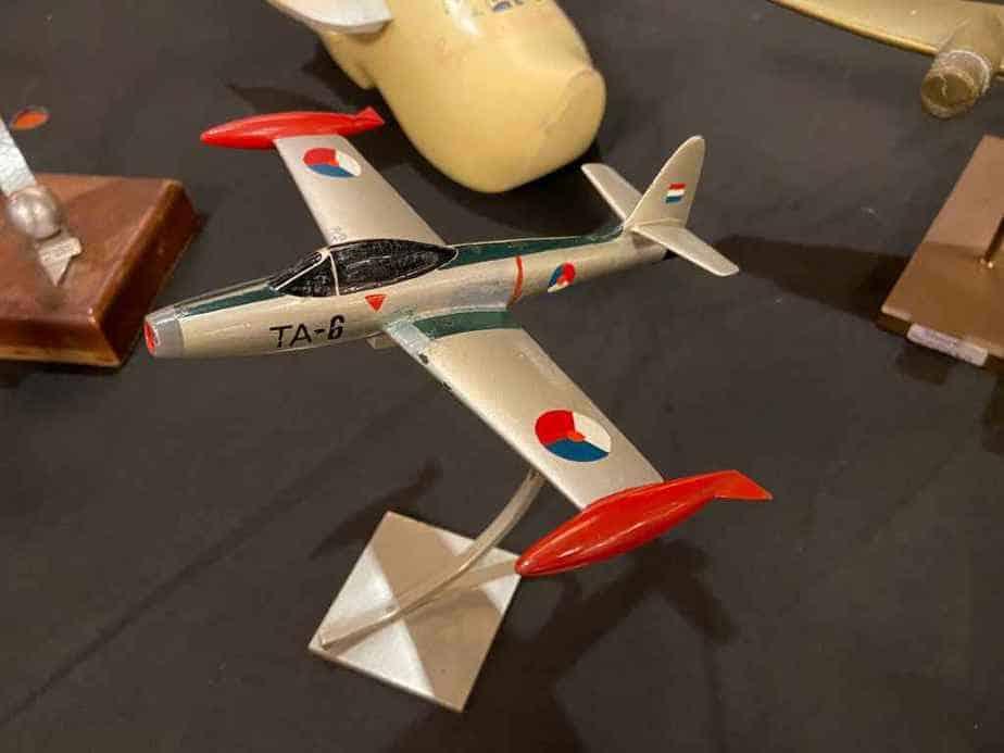 1950s era metal ID model of a Dutch Air Force F-84