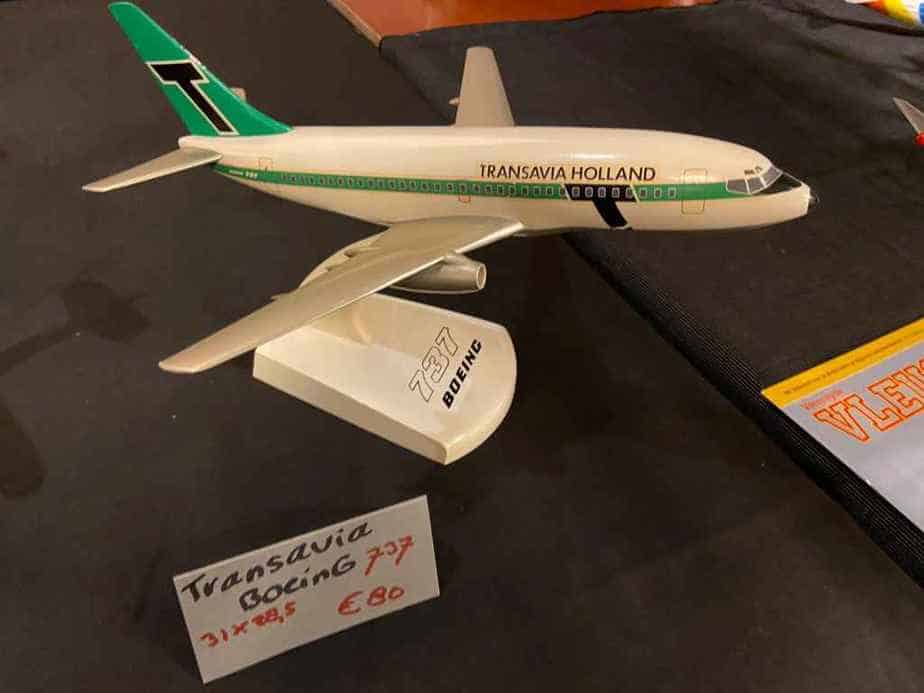 A very nice 1/100 plastic Topping Models 737-200 in home country Transavia colours, circa 1975.