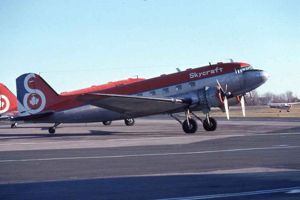 Skycraft DC-3 C-GSCB YOO NOV 1979 (Photo by Dr. John Blatherwick)